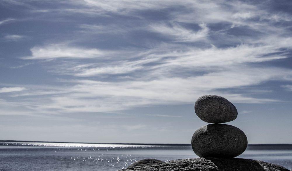 balance-horizon-ocean-1093199